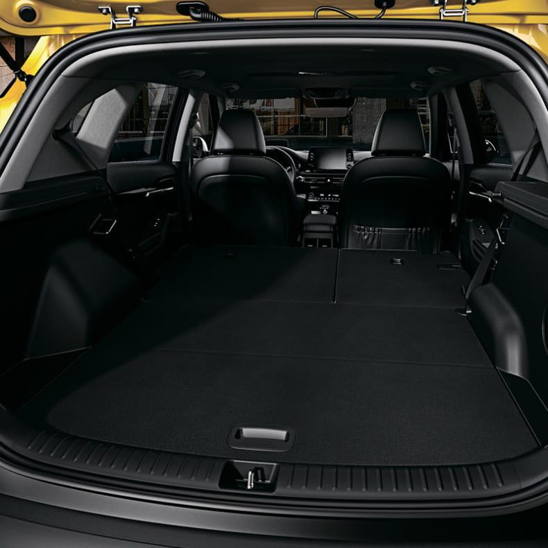 Вместительный багажник (468 л)